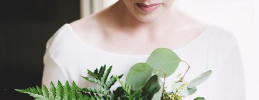 Flowers to save money at a destination wedding in Mexico